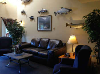 Lobby with Trophy fish Lakeshore Inn & Suites